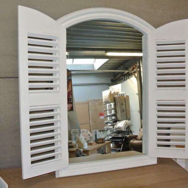 Spiegel met deurtjes xenos woonboulevard expert spiegels for Spiegel xenos