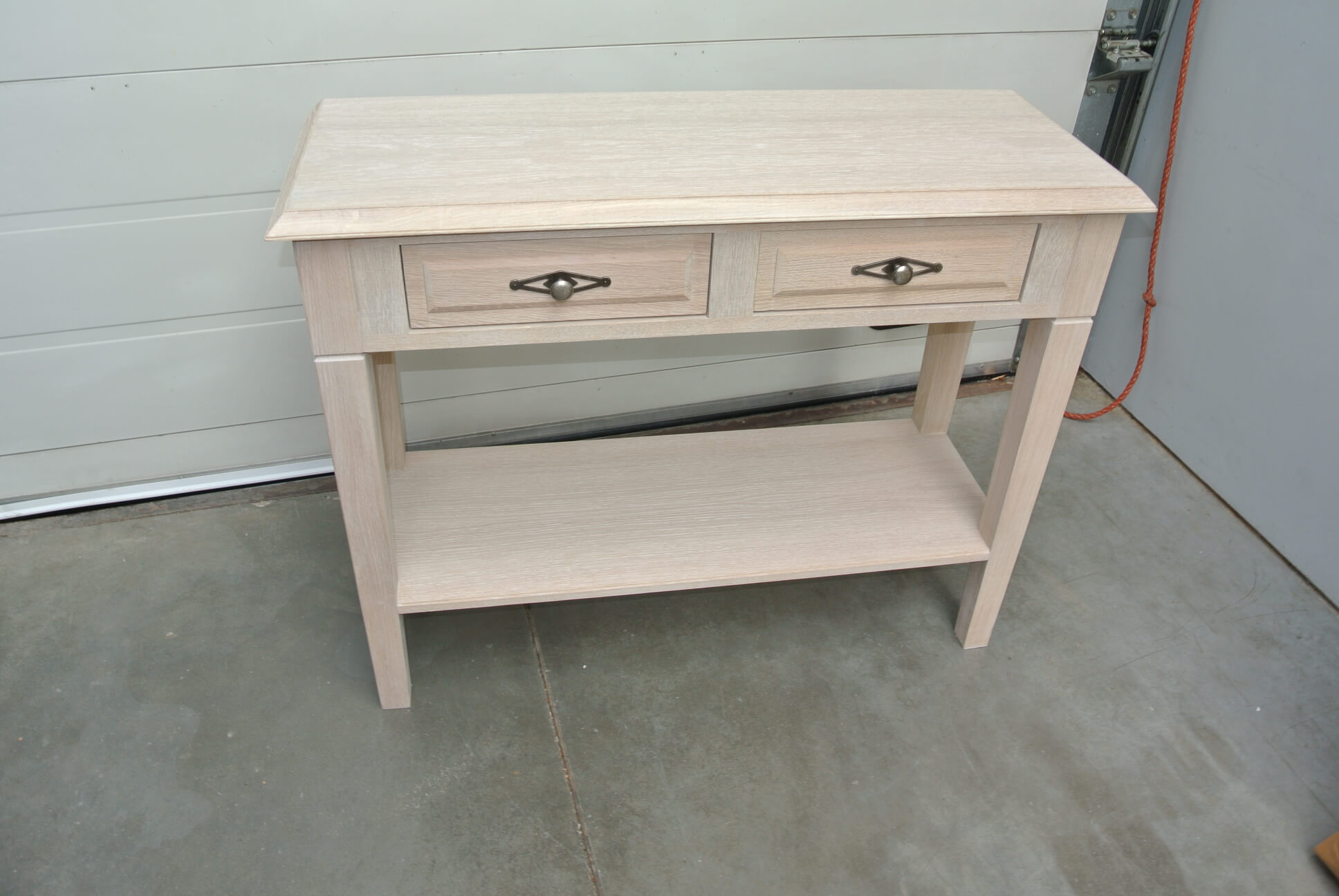Side table in eik kan in 30 verschillende kleuren afm 95Lx 35Dx 77 H