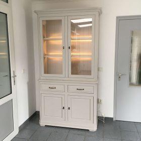 vitrine kast 2-deurs met led verlichting in eik kan in diverse kleuren
