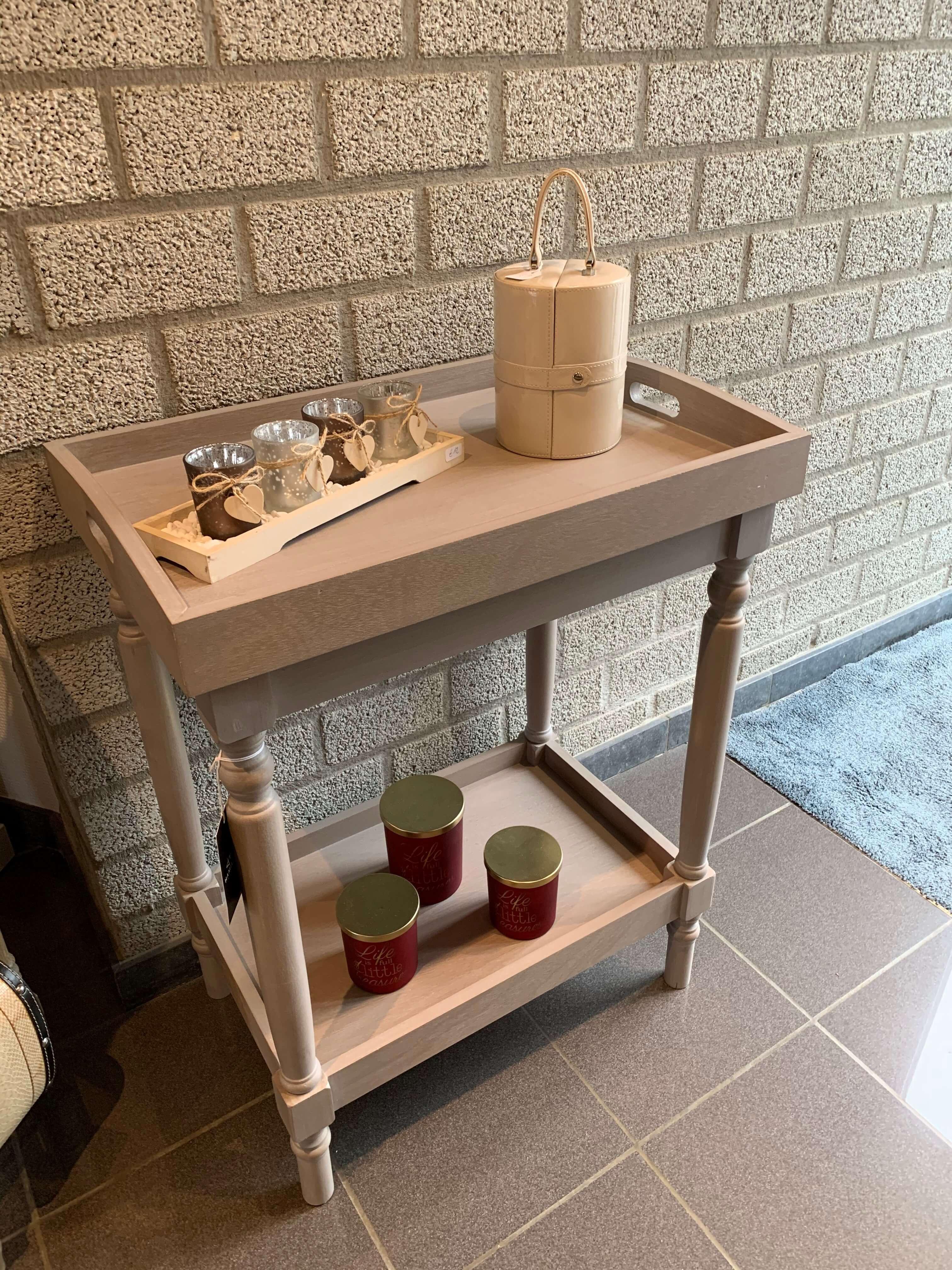 Serveer tafeltje met dienblad