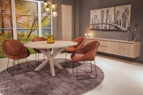 Landelijke ronde tafels in eik verschillende keuze van poot mogelijkheden