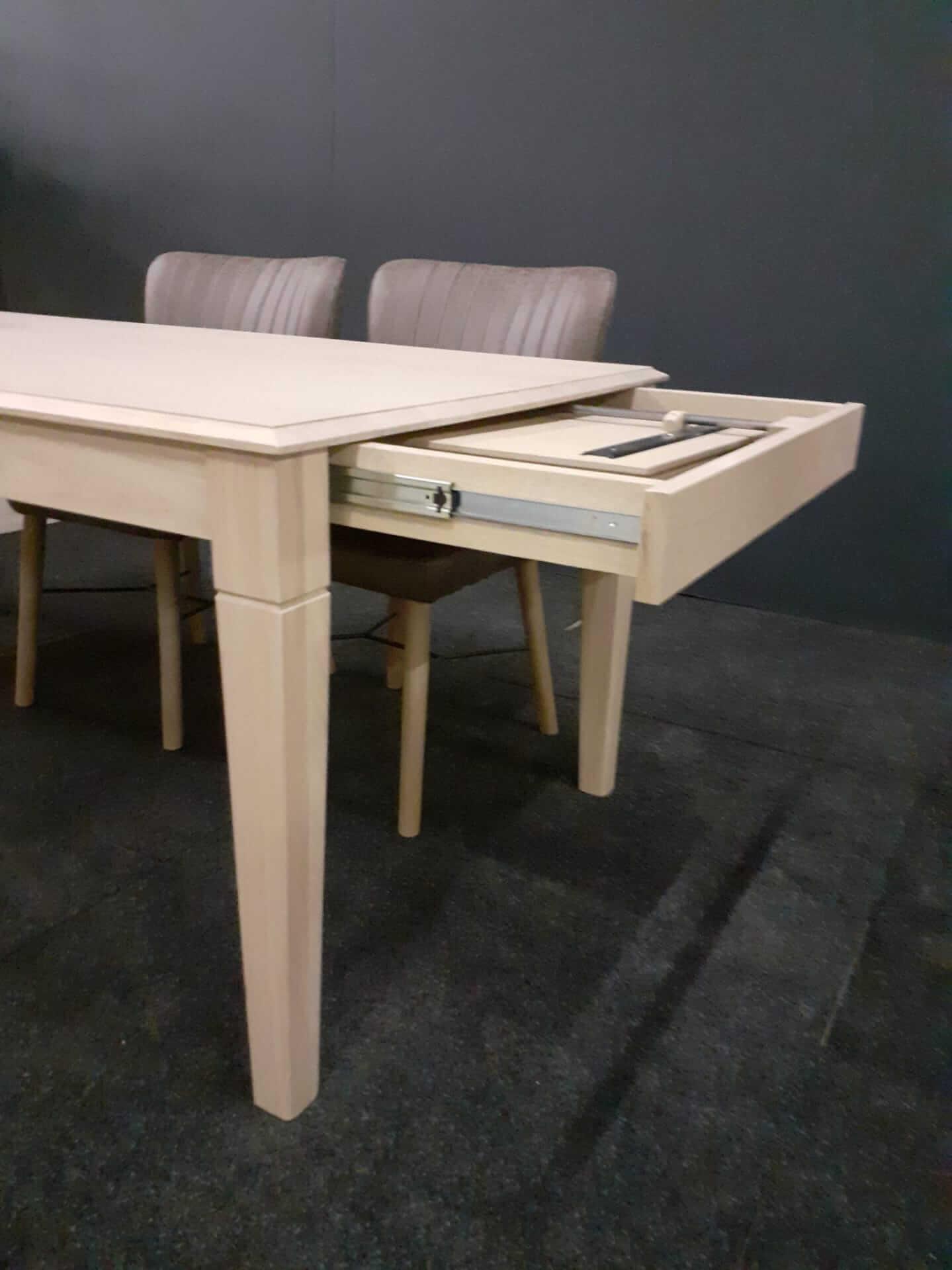 Strak landelijke tafels zijdelings uitrekbaar